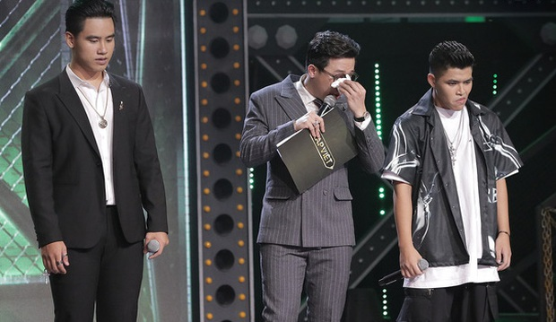 Trấn Thành nhiều lần rơi nước mắt tại Rap Việt, khán giả tặng luôn rap name Thành Cry - Ảnh 3.
