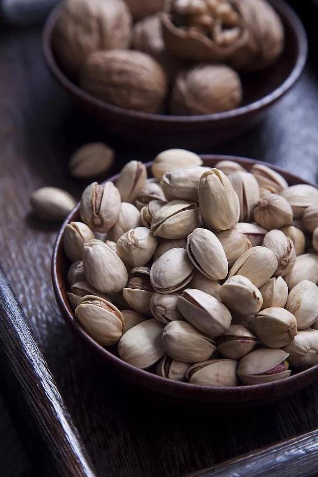 Các loại hạt rất giàu chất dinh dưỡng nhưng có 6 điều cấm kị khi ăn, nếu phạm phải có thể ảnh hưởng xấu đến sức khỏe - Ảnh 2.