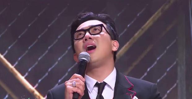 Trấn Thành nhiều lần rơi nước mắt tại Rap Việt, khán giả tặng luôn rap name Thành Cry - Ảnh 4.