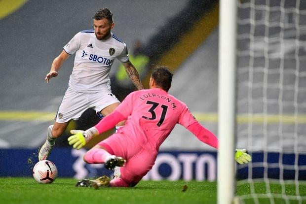 Hàng thủ tiếp tục mắc lỗi, ông lớn Man City hòa thất vọng trước tân binh Leeds - Ảnh 5.