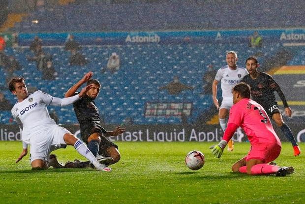 Hàng thủ tiếp tục mắc lỗi, ông lớn Man City hòa thất vọng trước tân binh Leeds - Ảnh 9.
