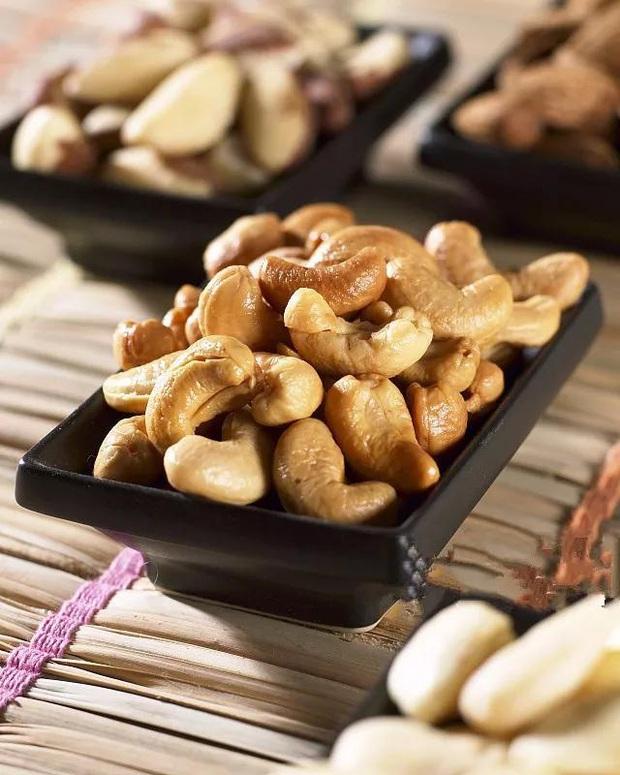 Các loại hạt rất giàu chất dinh dưỡng nhưng có 6 điều cấm kị khi ăn, nếu phạm phải có thể ảnh hưởng xấu đến sức khỏe - Ảnh 4.