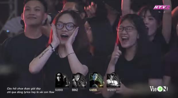 Từ chị áo xanh cầm bảng đến người yêu anh quay phim: Những cô gái thời tới cản không kịp của Rap Việt - Ảnh 8.