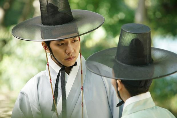 Hội trai Hàn hốt nhầm kịch bản - rước liền bom xịt ngay thềm nhập ngũ: Trước có Lee Min Ho, giờ đã thêm Park Bo Gum rồi! - Ảnh 14.