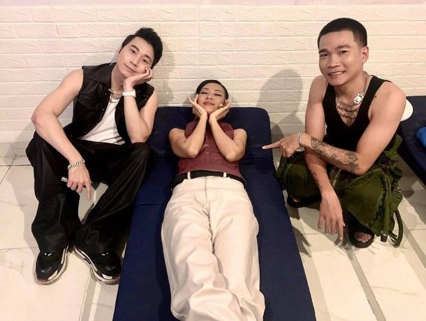 Lộ bằng chứng tam ca Rap Việt cho Binz ra rìa ở hậu trường: Khi nhóm 4 người, chỉ mình bạn bỏ lỡ hoạt động sống ảo! - Ảnh 2.