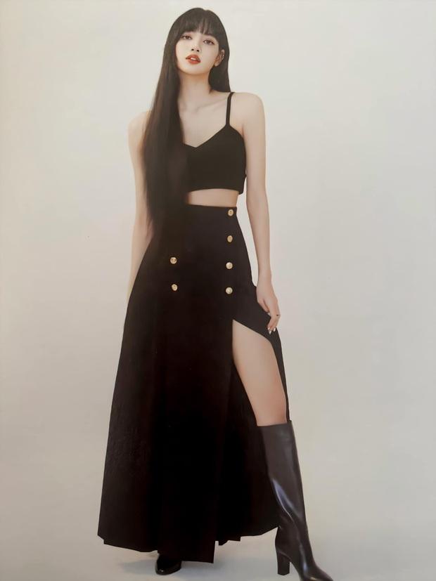 Đẳng cấp đại sứ của Lisa: Biến chiếc váy kín bưng tẻ nhạt thành sexy khó cưỡng, đè bẹp người mẫu runway - Ảnh 3.