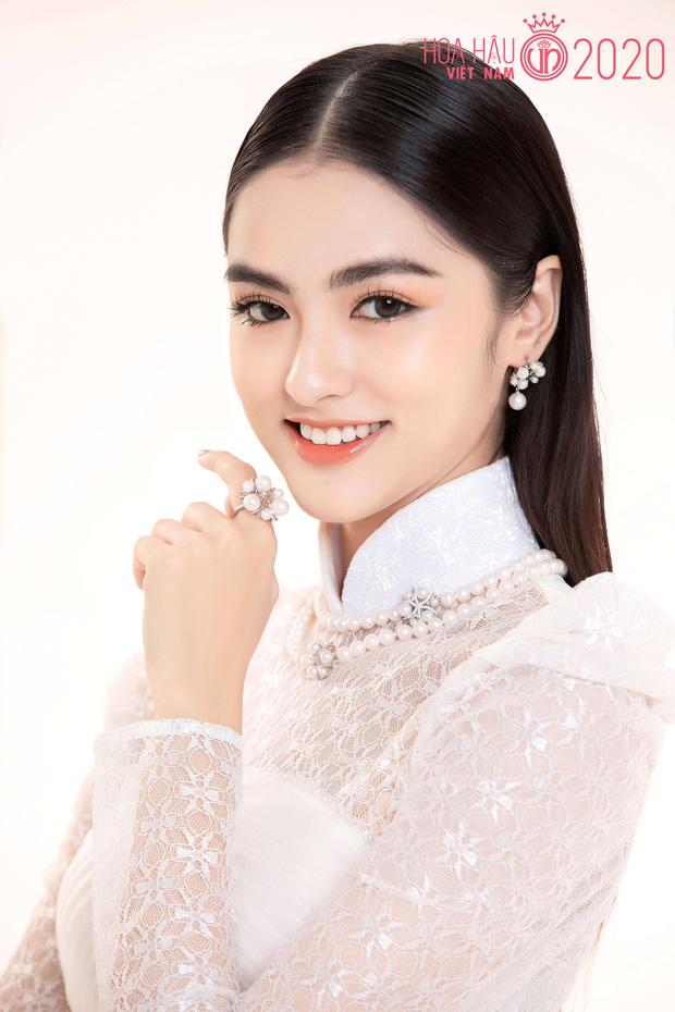 """Top 60 thí sinh Hoa hậu Việt Nam """"biến hình"""" trong bộ ảnh mới, khiến dân tình ngẩn ngơ khi diện áo dài khoe body đáng gờm - Ảnh 8."""
