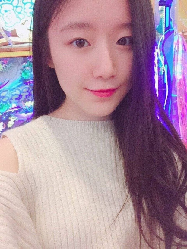 Tìm ra nữ idol có ảnh đi học đánh bật Kim Tae Hee ngày xưa: Nữ thần học đường là đây, để mặt mộc vẫn nổi trong mọi khung hình - Ảnh 6.