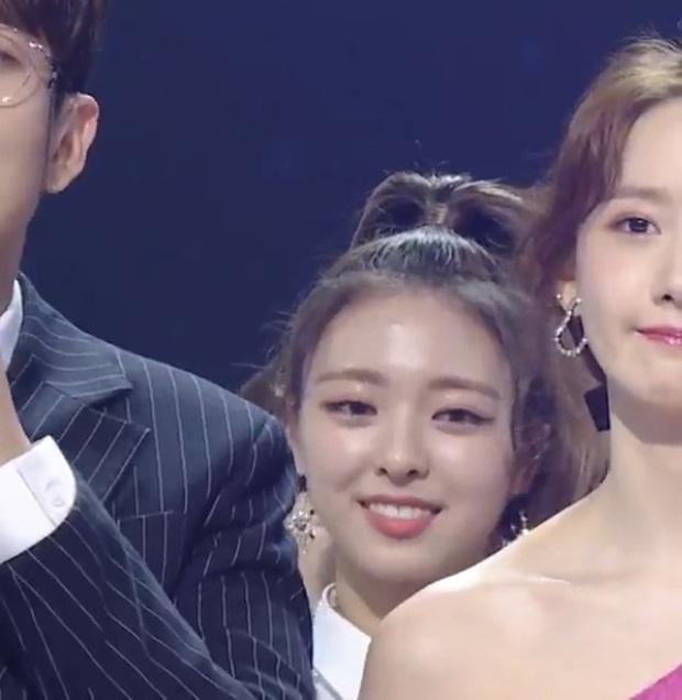 Knet đào lại 2 lần Yoona (SNSD) chặt đẹp đàn em TWICE và ITZY trong 1 khung hình: Đẳng cấp nữ thần SM đúng đỉnh! - Ảnh 5.
