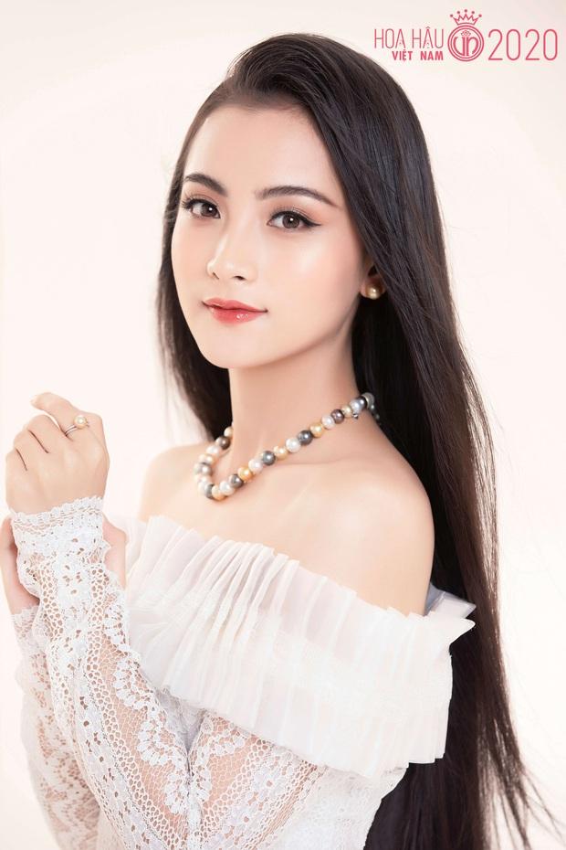 """Top 60 thí sinh Hoa hậu Việt Nam """"biến hình"""" trong bộ ảnh mới, khiến dân tình ngẩn ngơ khi diện áo dài khoe body đáng gờm - Ảnh 11."""
