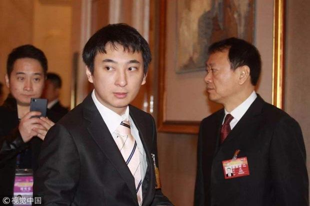 Thiếu gia tỷ đô Vương Tư Thông: 16 tuổi mới biết gia thế, khiến cả Cbiz khiếp vía nhưng không đắc tội với Triệu Lệ Dĩnh và 4 mỹ nhân - Ảnh 5.
