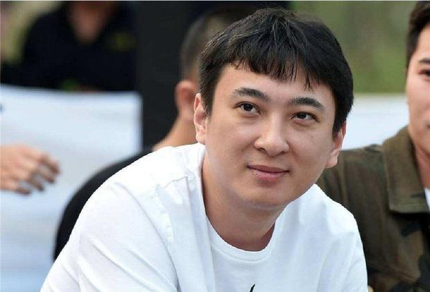 Thiếu gia tỷ đô Vương Tư Thông: 16 tuổi mới biết gia thế, khiến cả Cbiz khiếp vía nhưng không đắc tội với Triệu Lệ Dĩnh và 4 mỹ nhân - Ảnh 12.