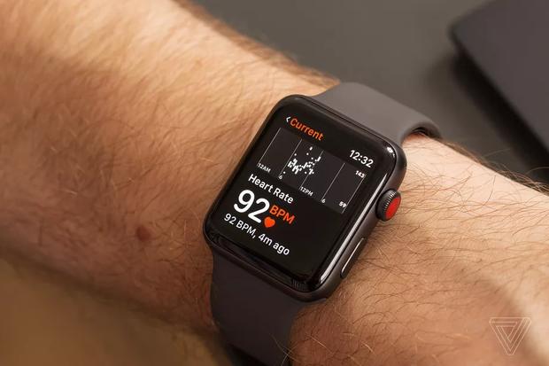 Apple Watch liên tục gửi cảnh báo sai về sức khoẻ người dùng - Ảnh 1.