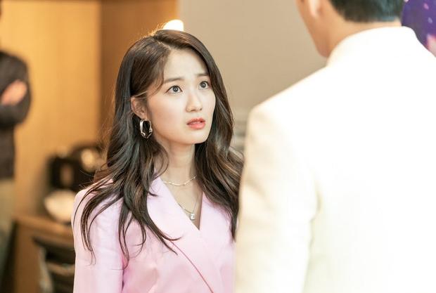 Từ Park Seo Joon đến Lee Sung Kyung, cả showbiz Hàn nô nức làm cameo trong Record of Youth - Ảnh 3.