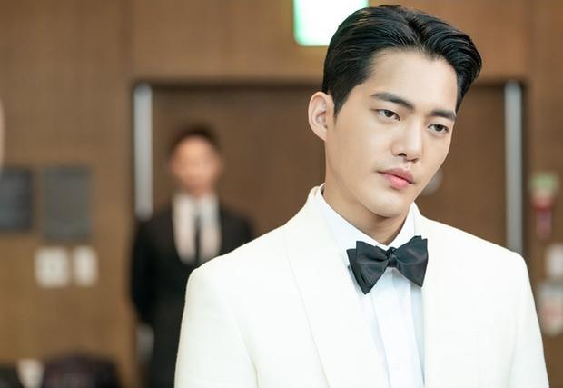 Từ Park Seo Joon đến Lee Sung Kyung, cả showbiz Hàn nô nức làm cameo trong Record of Youth - Ảnh 4.