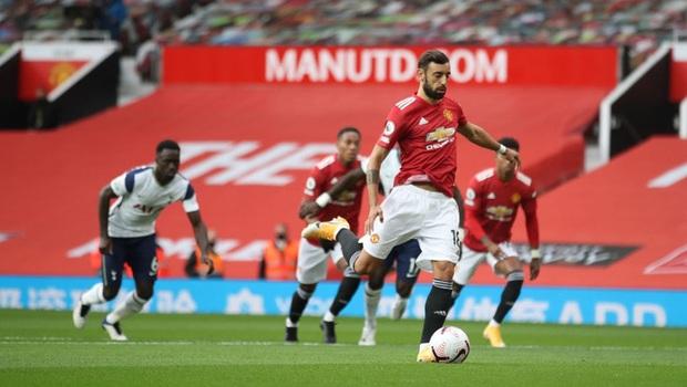 Hàng thủ tấu hài cực mạnh, Manchester United thất bại nhục nhã 1-6 trước Tottenham - Ảnh 1.