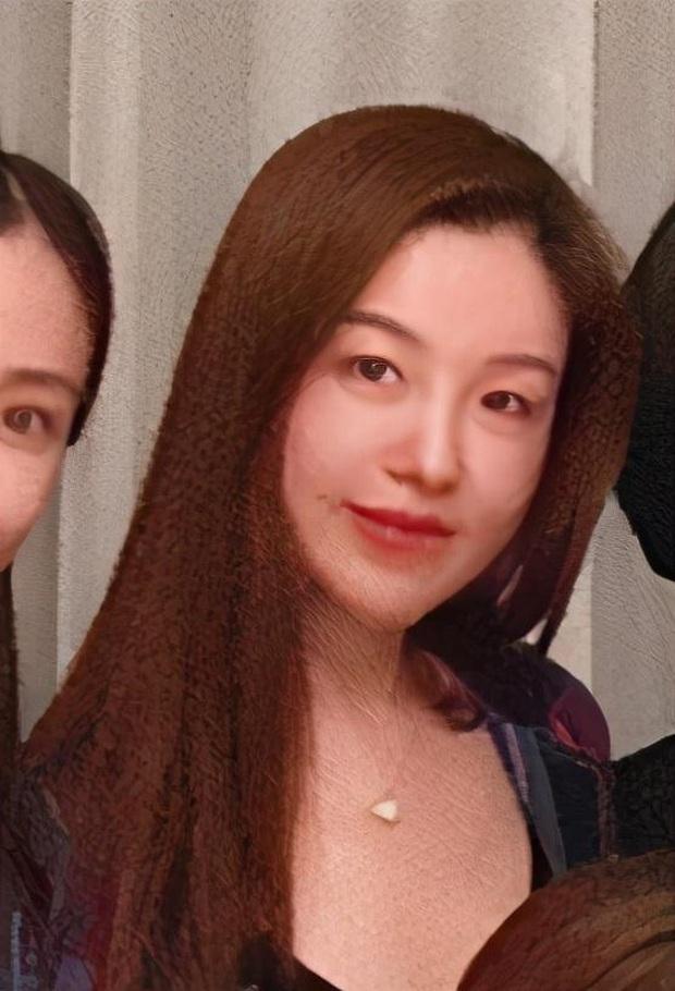 Hội bạn thân mới của Angela Baby gây choáng Cbiz: Toàn thiên kim gia thế khủng, vợ Huỳnh Hiểu Minh chỉ dám đứng nép - Ảnh 9.