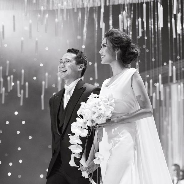 Lan Khuê tình tứ bên chồng đại gia dịp kỷ niệm 1 năm cưới, nghe câu nói của ông xã đủ biết tình cảm thế nào - Ảnh 3.