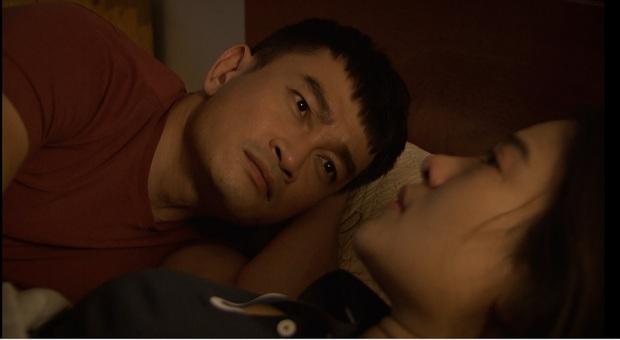 Mẹ chồng quốc dân NSND Lan Hương bị xóm giềng xanh lá vì con dâu ở Lửa Ấm tập 3 - Ảnh 2.