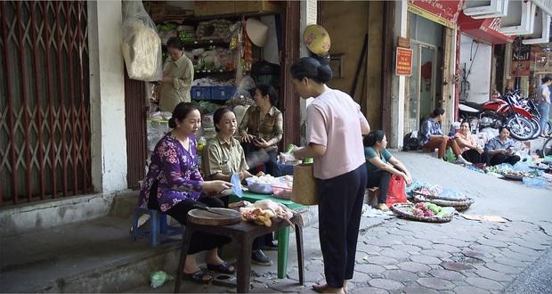 Mẹ chồng quốc dân NSND Lan Hương bị xóm giềng xanh lá vì con dâu ở Lửa Ấm tập 3 - Ảnh 5.