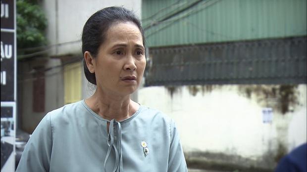 Mẹ chồng quốc dân NSND Lan Hương bị xóm giềng xanh lá vì con dâu ở Lửa Ấm tập 3 - Ảnh 6.