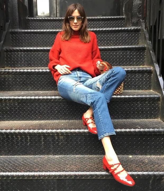 Hãy sắm 1 đôi giày đỏ: Style của bạn sẽ được nâng tầm sang chảnh như gái Pháp - Ảnh 5.