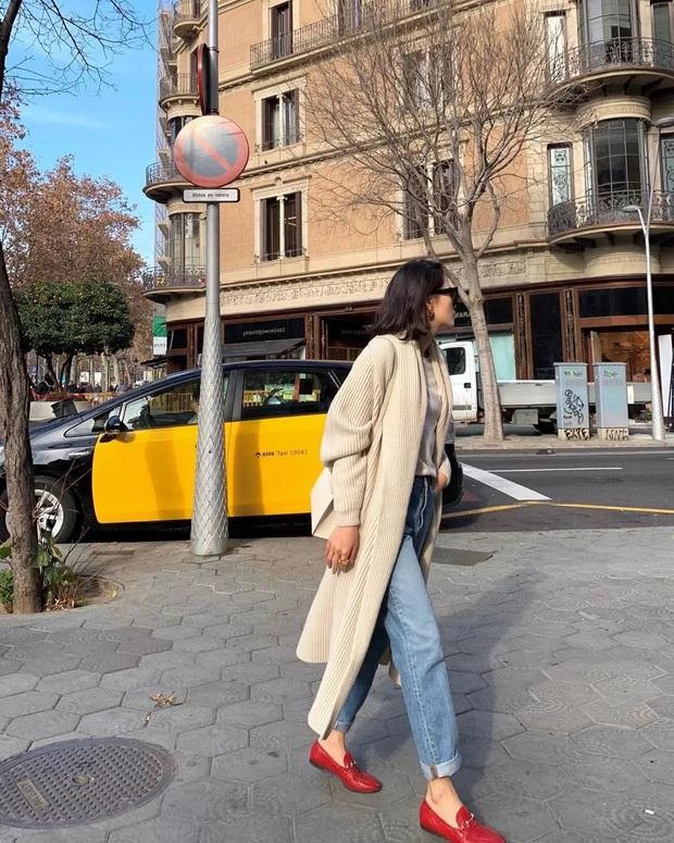 Hãy sắm 1 đôi giày đỏ: Style của bạn sẽ được nâng tầm sang chảnh như gái Pháp - Ảnh 7.