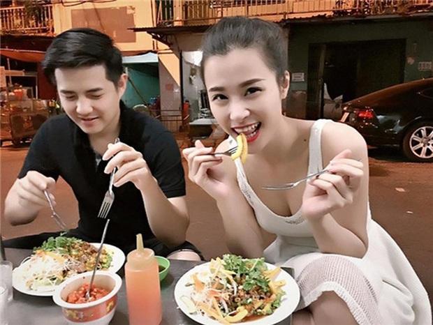 Hương Giang - Matt Liu cùng loạt sao hạng A cất tạm hình ảnh sang chảnh, thoải mái ngồi vỉa hè thưởng thức món ngon khó cưỡng - Ảnh 8.