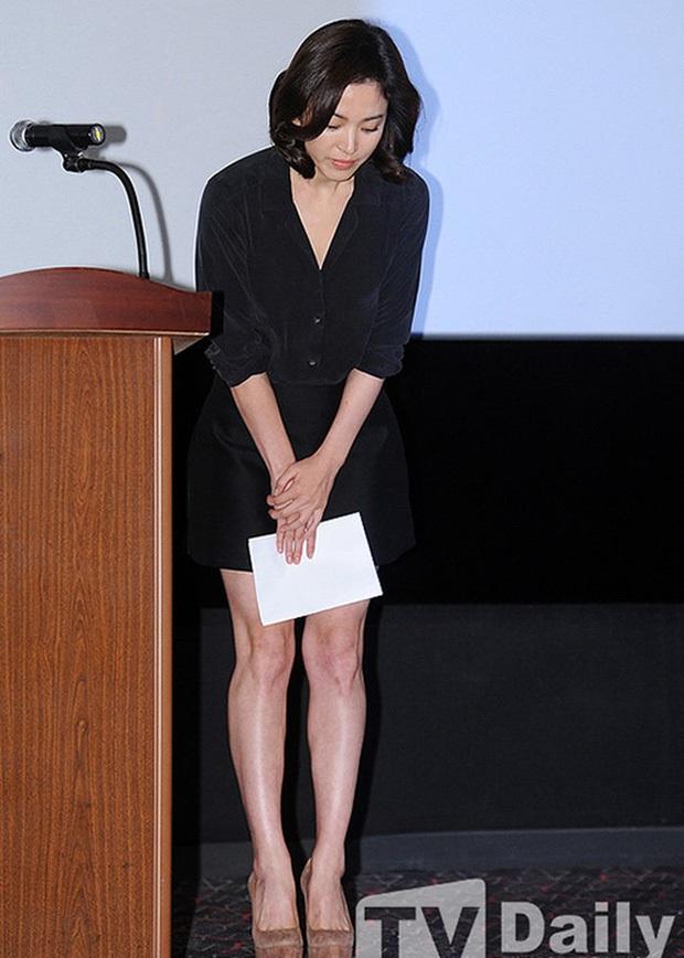 Phim rating kỷ lục giúp cả dàn sao đổi đời: Bae Yong Joon, Choi Ji Woo hóa ông hoàng bà chúa, Song Hye Kyo chưa thị phi bằng Á hậu tù tội - Ảnh 9.