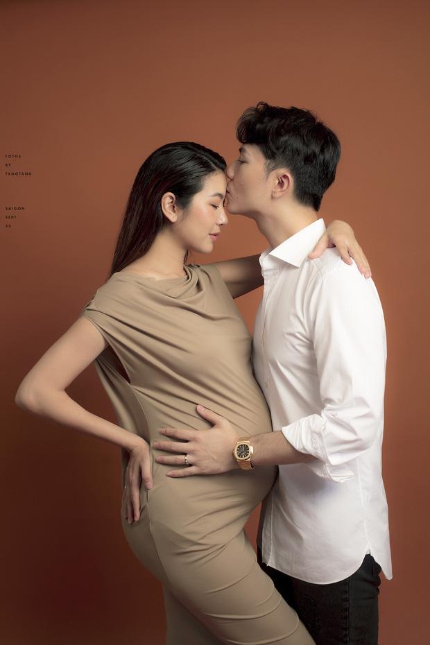Thuý Vân khoe bụng to rõ, được chồng tặng quà nửa tỷ trước khi sinh: Không phải đồ hiệu nhưng mẹ bầu mê mẩn - Ảnh 2.
