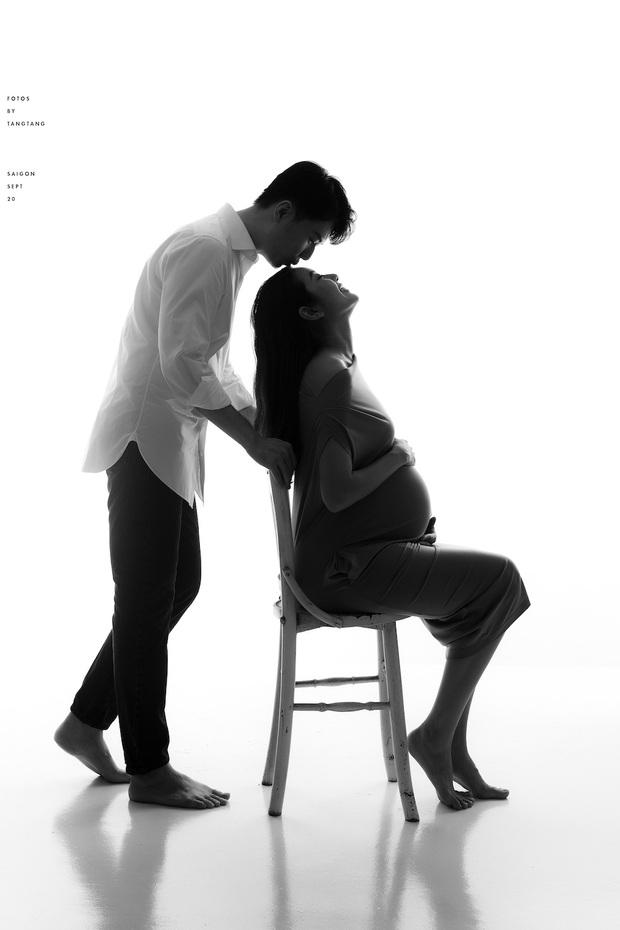 Thuý Vân khoe bụng to rõ, được chồng tặng quà nửa tỷ trước khi sinh: Không phải đồ hiệu nhưng mẹ bầu mê mẩn - Ảnh 6.