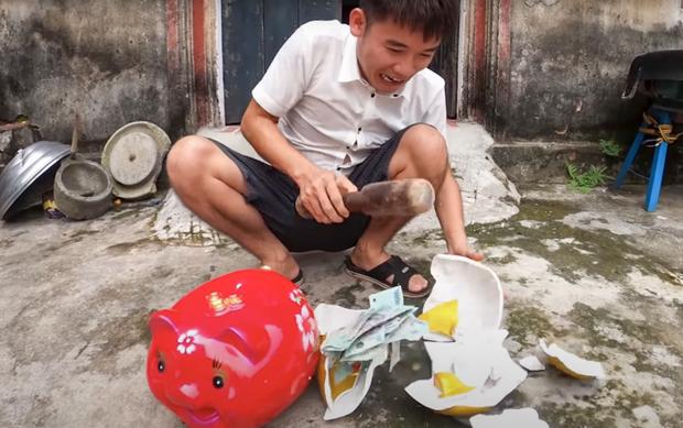 Con trai Bà Tân Vlog quay video dạy cách trộm tiền heo đất, Sở Thông tin và Truyền thông Bắc Giang vào cuộc - Ảnh 1.