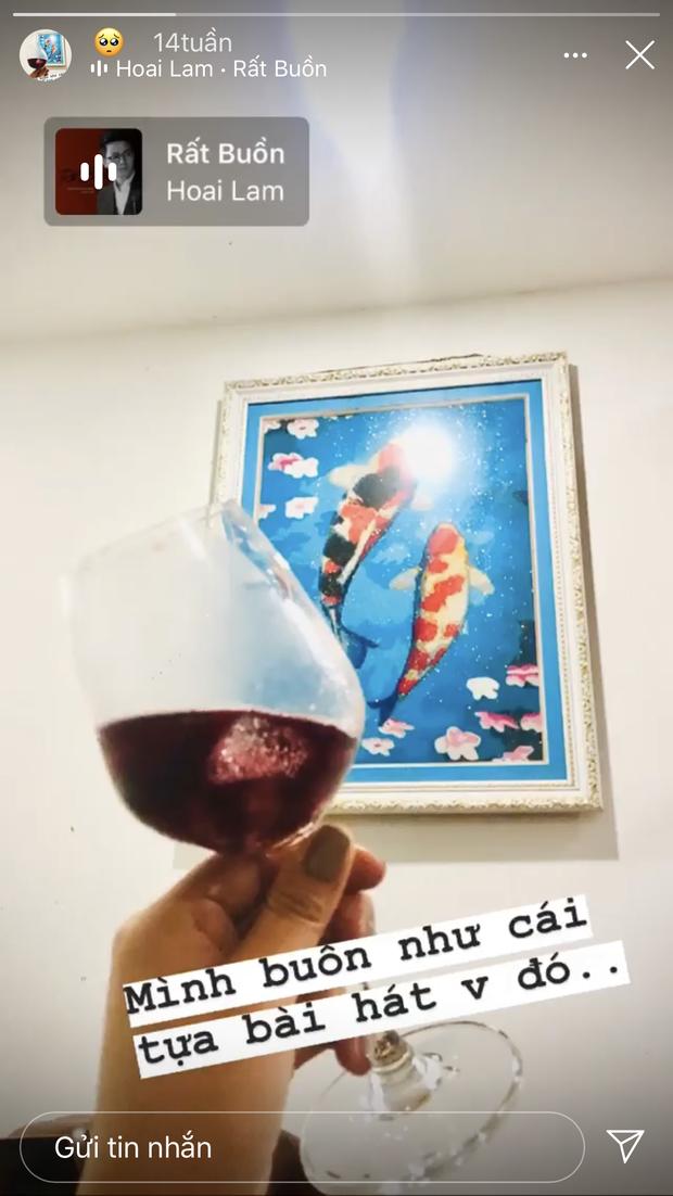 """HOT: Hoài Lâm lộ ảnh mặc đồ đôi với gái lạ ở Đà Lạt sau 3 tháng ly hôn, giới thiệu là """"người yêu"""" với mẹ ruột trên livestream - Ảnh 4."""