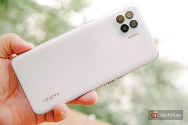 Đánh giá chi tiết OPPO A93: 7 triệu, 6 camera, màu sắc khác lạ, liệu có đáng bỏ tiền ra mua? - Ảnh 2.