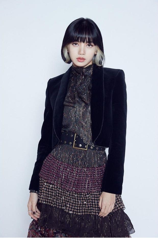 Jennie (BLACKPINK) gặp scandal lớn vì trang phục y tá trong Lovesick Girls, Lisa có status gây chú ý - Ảnh 2.