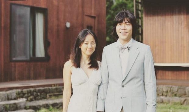 Lee Hyori cuối cùng đã tung clip bên trong đám cưới bí mật 7 năm trước: Cô dâu tu bia sau khi thề nguyện, khóa môi cực tình - Ảnh 11.