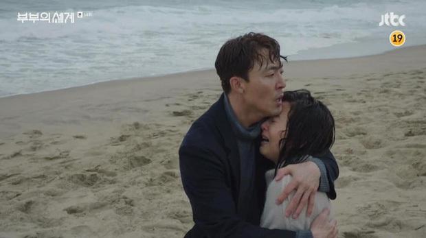 10 lần sao Hàn gặp tai nạn nghiêm trọng ở phim trường: Lee Min Ho bay móng chân vì lao vào bùn, Kim Hae Ae xém bị sóng cuốn mất xác - Ảnh 5.
