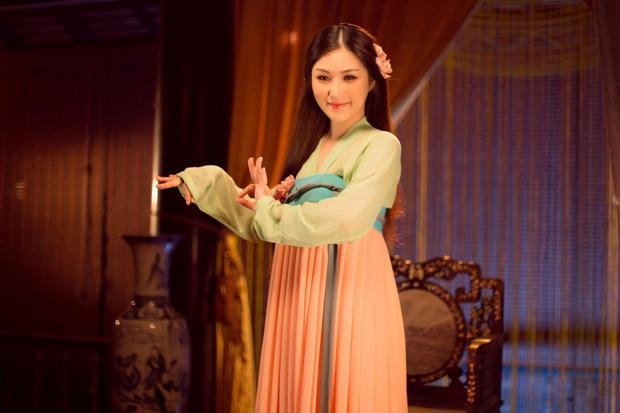 16 MV Vpop cán mốc 100 triệu view trong năm 2020: Sơn Tùng, Min và Lou Hoàng lập cú đúp; Hoài Lâm và Erik nhanh như gắn tên lửa - Ảnh 30.