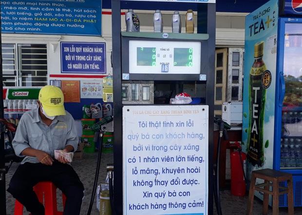 Cận cảnh cây xăng có các slogan độc nhất vô nhị ở An Giang - Ảnh 6.