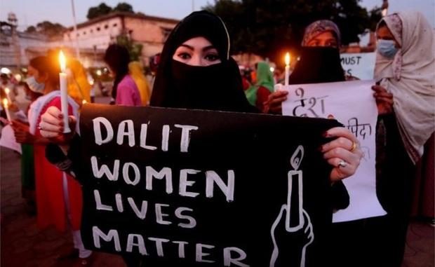 Cứ mỗi ngày trôi qua, có 10 phụ nữ Dalit bị cưỡng hiếp, họ là ai mà phải chịu sự đau đớn thống khổ tận cùng đến như vậy? - Ảnh 6.