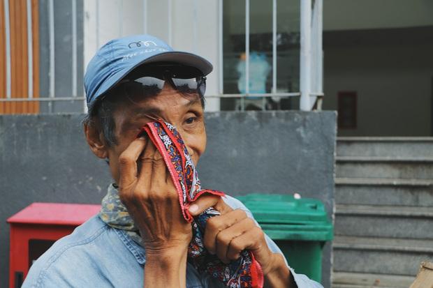 Chú shipper bị liệt 2 chân ở Sài Gòn: Người ta tay chân lành lặn mới đi ship hàng ở xa được, còn chú thì... - Ảnh 5.