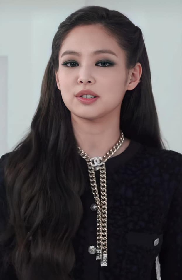 Jennie và G-Dragon lần đầu dự show Chanel cùng nhau: Mỹ nhân BLACKPINK có chút nhạt, ông hoàng Kpop vẫn chất như ngày nào - Ảnh 5.