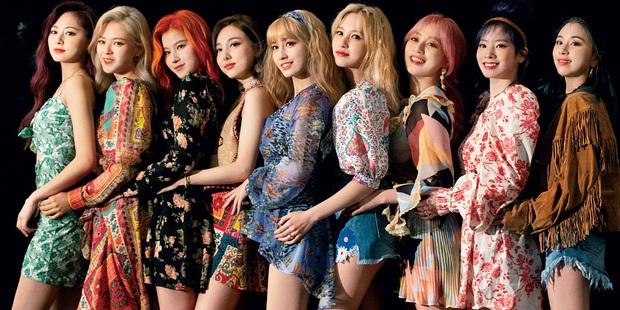 BLACKPINK chốt đơn ngày đầu với doanh số hơn nửa triệu album: Vẫn xếp sau BTS nhưng đá thẳng các nhóm nữ khác ra chuồng gà - Ảnh 7.