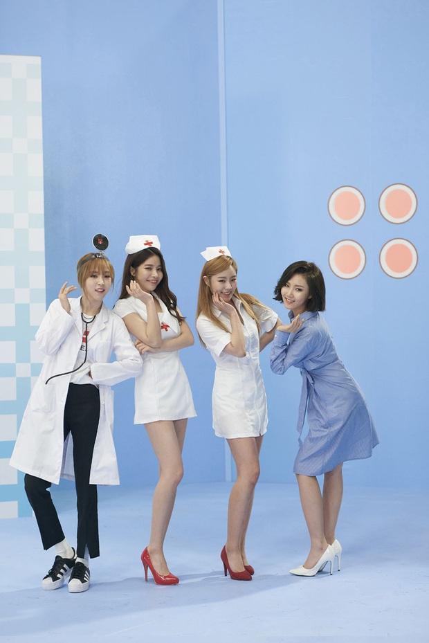 Netizen soi ra concept y tá từng được SNSD hay MAMAMOO sử dụng trước đó, mãi không sao nhưng đến Jennie thì lại bị chỉ trích? - Ảnh 9.