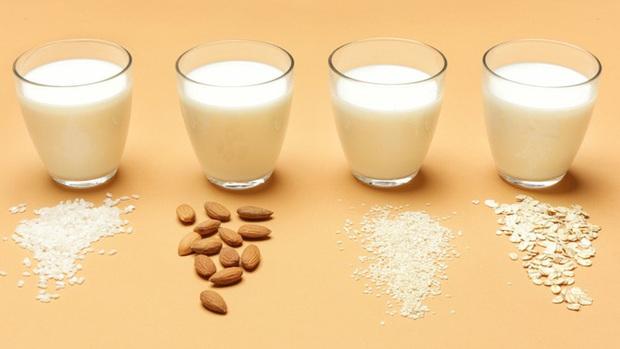 Sữa bò, sữa đậu nành, sữa yến mạch, sữa gạo - loại nào tốt nhất: Chuyên gia dinh dưỡng Úc trả lời - Ảnh 1.