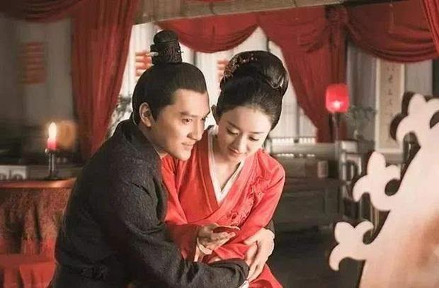 Triệu Lệ Dĩnh đăng status giữa nghi vấn ngoại tình, phản ứng của Phùng Thiệu Phong hé lộ mối quan hệ 2 vợ chồng - Ảnh 4.