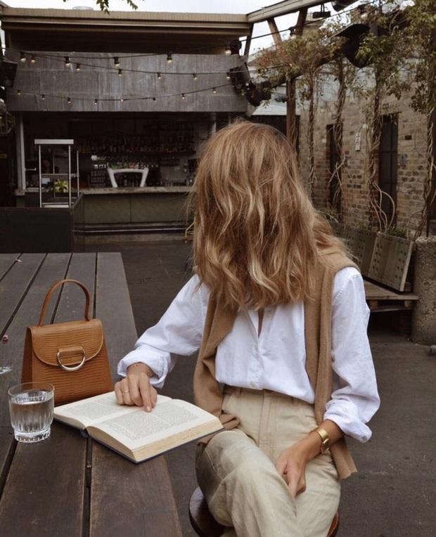 Để đẹp như gái Pháp, nàng công sở Việt hãy học theo 5 cách diện áo len mỏng đẹp đủ mọi đường - Ảnh 13.