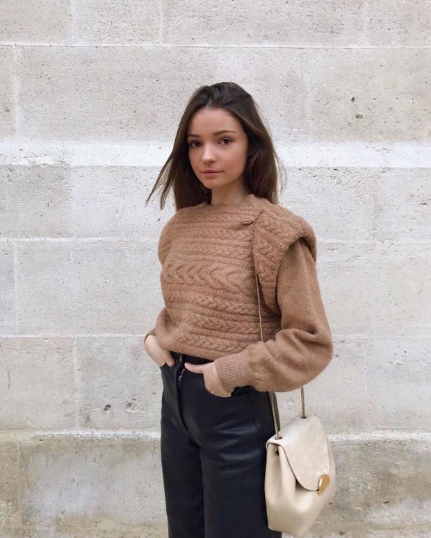 Để đẹp như gái Pháp, nàng công sở Việt hãy học theo 5 cách diện áo len mỏng đẹp đủ mọi đường - Ảnh 5.