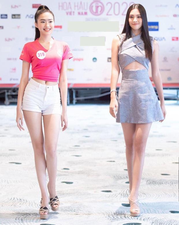 Tiểu Vy khoe eo con kiến giữa dàn thí sinh HHVN 2020, màn đọ sắc với bạn gái tin đồn của Đoàn Văn Hậu thành tâm điểm - Ảnh 3.