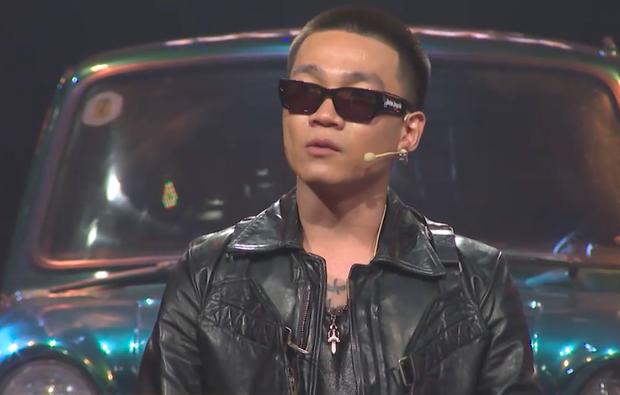 Rap Việt: Trấn Thành gây choáng với đầu nấm tóc 2 mái, xuất hiện thêm 2 nón vàng cho giám khảo - Ảnh 2.